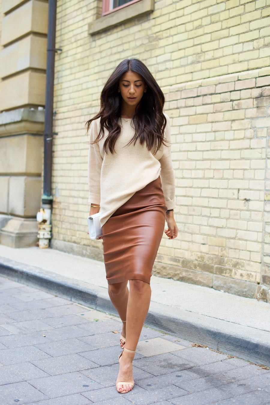 brown-leather-skirt-6-900x1348