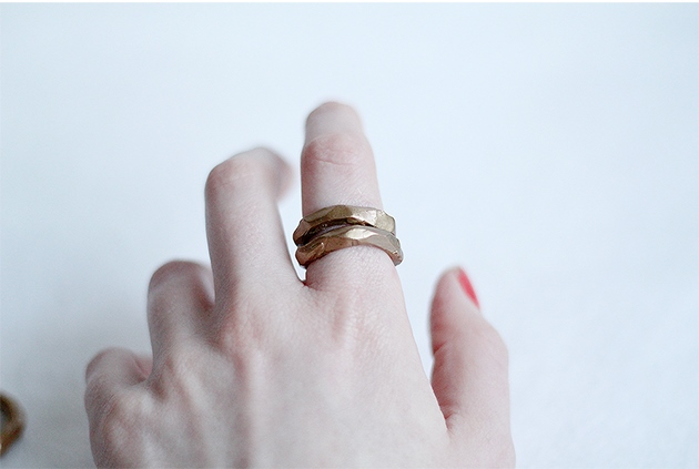 Faux-Gold-Hammered-Rings-Fall-For-DIY-tutorial