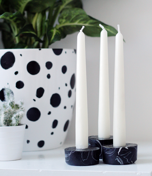 DIY-Black-Marble-Candle-Holders-500x578